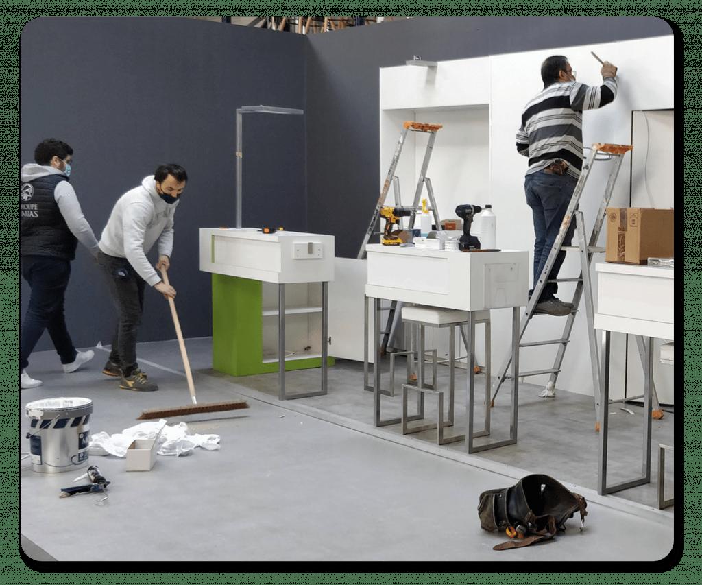 Montage et démontage de stand