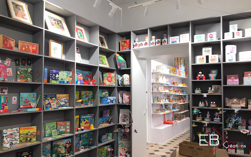 Espaces de vente : Djeco Showroom bibliothèque